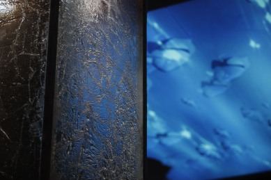 Detalhe da coluna de gelo (resina cristal com fibra de vidro)